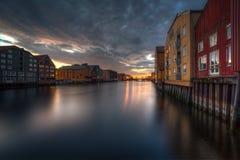 Rio de Trondheim (Nidelva) Imagens de Stock