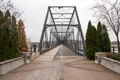 Rio do cruzamento da ponte do ferro Foto de Stock