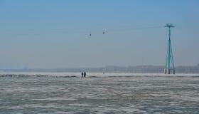 Rio do gelo de Songhua em Harbin, China foto de stock royalty free