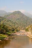 Rio e a montanha Imagem de Stock Royalty Free