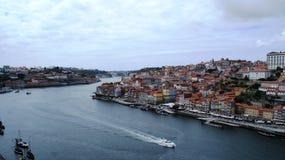 Rio e Oceano Atlântico de Douro em Porto, Portugal Foto de Stock