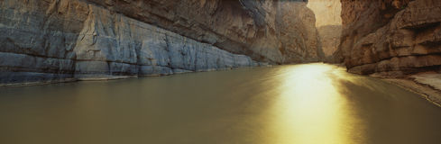 Rio Grande flod, Texas/Mexico kant Royaltyfri Foto