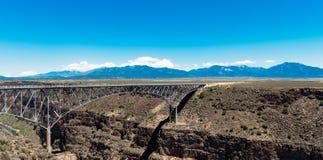 Rio Grande Gorge Bridge, près de Taos, le Nouveau Mexique Image libre de droits