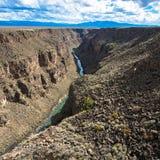Rio Grande Gorge comme vu de son pont au Nouveau Mexique du nord photo libre de droits