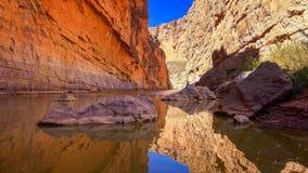Rio Grande River och Santa Elena Canyon i stor krökningmedborgaremedeltal Royaltyfri Foto