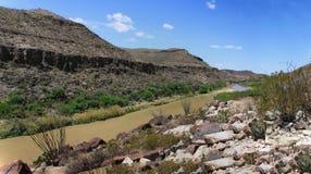 Rio Grande River på mexikanen och Förenta staternagränsen Royaltyfria Foton