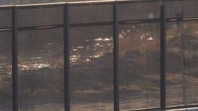 Rio Grande River till och med gränsstaketet stock video