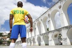 Rio 2014 internacional do futebol da camisa brasileira do jogador de futebol Fotos de Stock