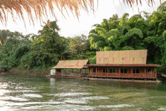 Rio Kwai Kanchanaburi do curso de Tailândia foto de stock royalty free