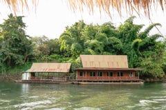Rio Kwai Kanchanaburi do curso de Tailândia fotos de stock royalty free