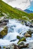 Rio liso no vale Fotografia de Stock