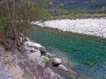 Rio Maggia ou Fiume Maggia Valle Maggia fotos de stock