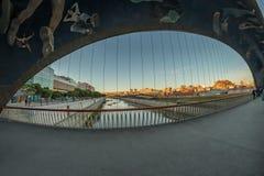 Rio Manzanares Bridge Matadero Madrid fotografering för bildbyråer
