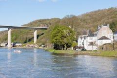 Rio Meuse perto de Dinant em Bélgica foto de stock royalty free