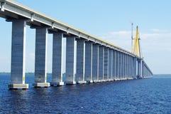 Rio Negro Bridge under konstruktion, circa Augusti 2011 Arkivbild