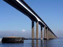 Rio-Niteroi Brücke Lizenzfreie Stockfotos
