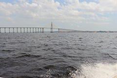 Rio preto em Amazonas, Brasil Um rio gigante parece um mar Usado aos peixes, navegue, jogue, alimente povos locais fotos de stock