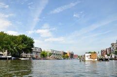 Rio que constrói o barco 3 da água da arquitetura paisagística de Europa Imagem de Stock