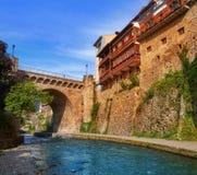Rio Quiviesa Deva de Potes uma Espanha da vila de Cantábria foto de stock