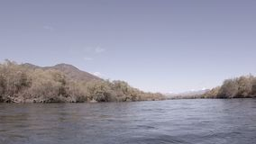 Rio rápido em Kamchatka filme