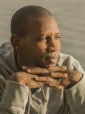Rio seguro de Senegal do homem africano moderno no futuro - Imagem de Stock