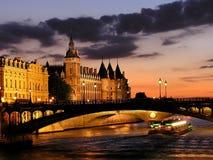 Rio Seine em Paris
