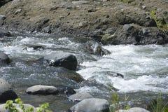 Rio situado em Ruparan barangay, cidade de Ruparan de Digos, Davao del Sur, Filipinas imagem de stock royalty free