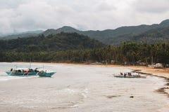 Rio subterrâneo em Puerto Princesa imagens de stock