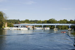 Rio Tamisa em Cookham, Berkshire Imagens de Stock Royalty Free