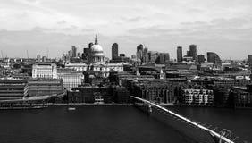 Rio Tamisa em Londres imagem de stock