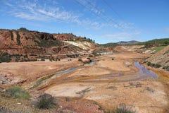 Rio Tinto-rivier dichtbij Nerva in Spanje stock foto