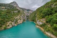 Rio Verdon dos azuis celestes e desfiladeiro Verdon Fotografia de Stock