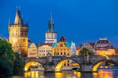 Rio Vltava no crepúsculo Praga República Checa Imagens de Stock
