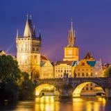 Rio Vltava no crepúsculo Praga República Checa Imagem de Stock