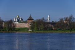 Rio Volkhov e Kremlin, Veliky Novgorod, Rússia, Imagem de Stock Royalty Free