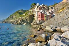 Riomaggiore, Cinque Terre,利古里亚,租金的Italy.Boat在Riomaggiore港口 库存照片