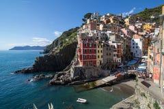 Riomaggiore, Cinque Terre, Ligurië, Italië (Mei 4, 2014) Royalty-vrije Stock Afbeelding