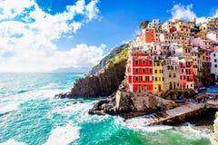 Riomaggiore, een dorp in Cinque Terre, Itali? royalty-vrije stock foto's