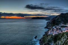 Riomaggiore en la puesta del sol Fotografía de archivo