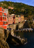 Riomaggiore im Sonnenuntergang, Cinque Terre, Ligurien, Italie Stockbild