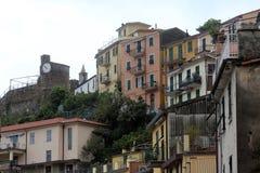 Riomaggiore, un des villages de Cinque Terre, l'Italie Photo stock