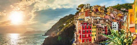 Riomaggiorepanorama, Cinque Terre, Italië stock fotografie