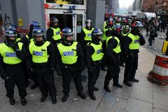Free Riot Police Guard A Bank At Riot In London Royalty Free Stock Images - 19450869