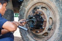 Riparazione del camion Fotografia Stock Libera da Diritti