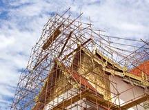 Riparazione del tempiale del tetto Fotografie Stock Libere da Diritti