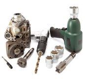 Riparazione dell'automobile - dettagli della pompa della chiave pneumatica ad alta pressione e verde dell'aria, martello pneumatic Immagini Stock Libere da Diritti