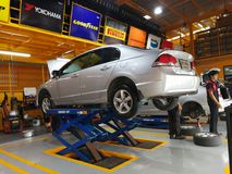 Riparazione dell'automobile e servizi di manutenzione Fotografia Stock