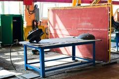 Riparazione della ventola per una pompa con le lame negli stabilimenti industriali del negozio ad una raffineria di petrolio, sta fotografia stock