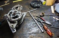 Riparazione di natura morta delle componenti del motore Fotografia Stock Libera da Diritti