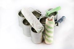 Riparazione, pennelli e della pittura e latte della pittura su un iso bianco Fotografie Stock Libere da Diritti